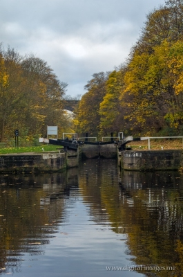 Thornhill Lees Locks